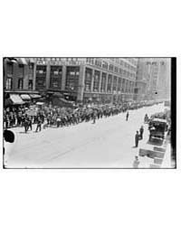 Cloak Makers Parade, 1916, Photograph Nu... by Library of Congress