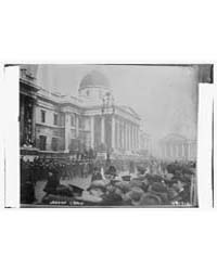 London Crowd, Photograph Number 28147V by Library of Congress