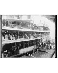 Off for a Holiday on the River, Photogra... by Library of Congress