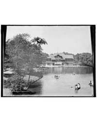 Boat House, Lincoln Park, Chicago, Ill.,... by Library of Congress