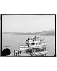 Str. Governor Endicott Landing at Weirs,... by Library of Congress