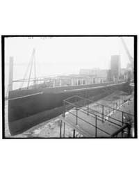 Steamer City of Cleveland, Bow View, Pho... by Library of Congress