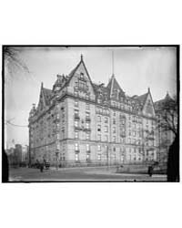 Dakota Apartment House, New York, N.Y., ... by Library of Congress