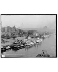 Steamboat Landing and Union Station, St.... by Library of Congress