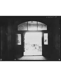 Through the Doors of the Courthouse in F... by Library of Congress