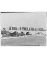 Kew Gardens Parkway Junction. Four-arche... by Schleisner, Gottscho