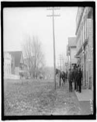 Feud. Scenes in Virginia Mountain Town a... by Harris & Ewing