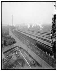 Covered Train Platforms of Union Station... by Harris & Ewing