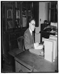 Dr. Ginsburg, Bureau of Fisheries, Dept.... by Harris & Ewing