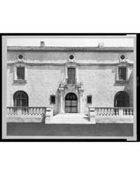 Pasadena, California, Mrs. Herbert Coppe... by Johnston, Frances Benjamin